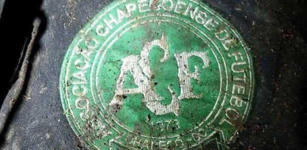 aviao-acidente-simbolo-chapecoense-sul-americana-1480401044963_615x300